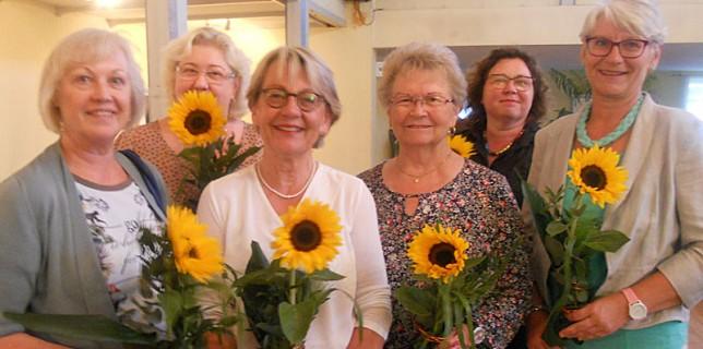 Der wiedergewählte Vorstand des Netzwerkes: Rosl Kurella (Beisitzerin), Beatrix Wilmhoff (Schatzmeisterin), Ada Lampe (1. Vorsitzende), Ingrid Riehn (Beisitzerin), Sabine Pieschel (Schriftführerin), Heimke Möhlenhof (2. Vorsitzende)